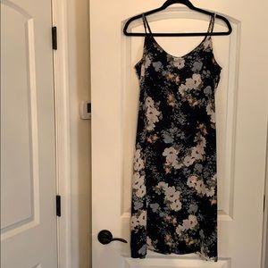 Love, Fire Midi dress size M